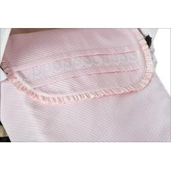 Capazo con colcha piqué rosa