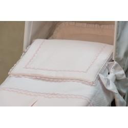 Capazo con colcha piqué rosa/blanco
